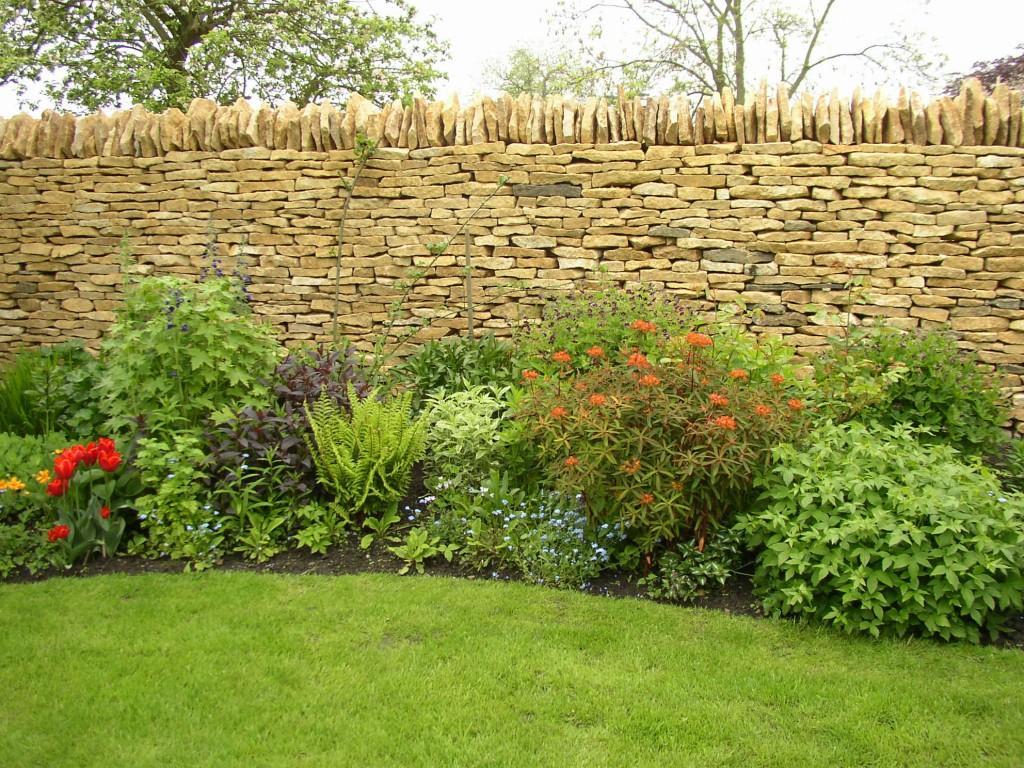 Забор из природных материалов