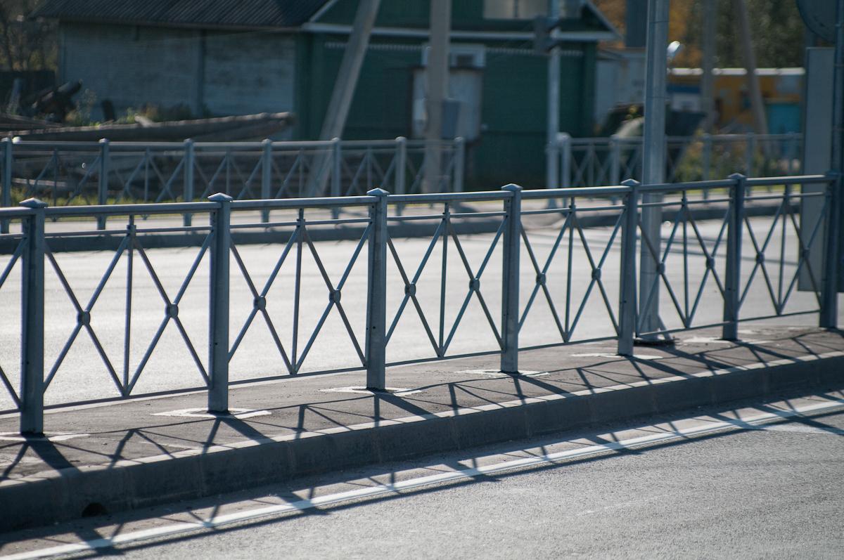 Стационарные пешеходные ограждения