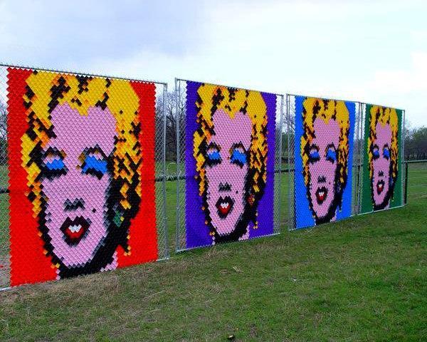Рисунок поп арт на заборе