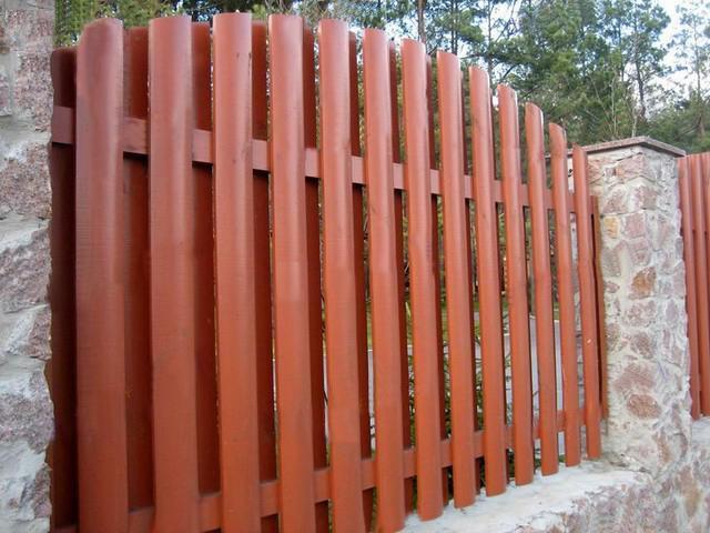 Деревянный забор «шахматка»