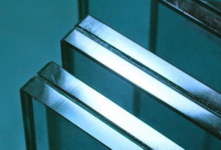 Еврокромка на стекле для ограждения